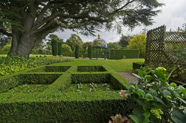 Familiar Garden